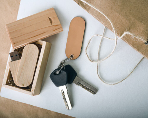 wooden usb drives 1